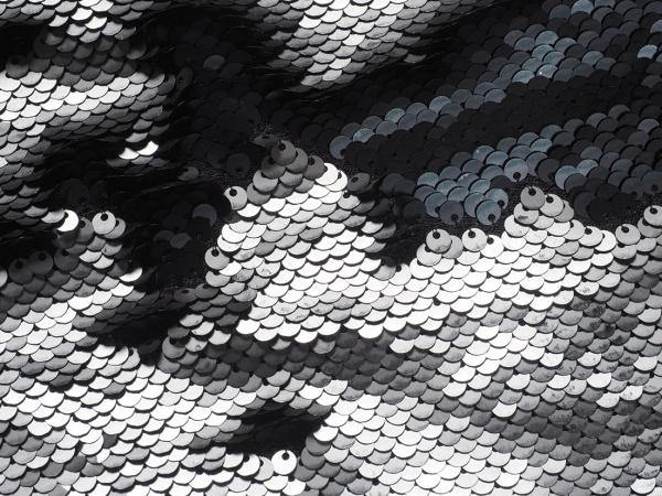 Корец Наталия. «TVOYAKOROVKA». 2018. Ткань, пайетки, пэчворк. 125×80см.