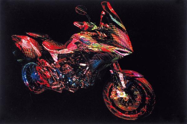 Рибас Виктор. Лазерная фрактальная фотография «Мотоцикл MVAgusta». 2010. Бумага, авторская техника. 45×30см.