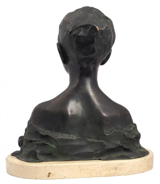 Скульптура «Пьер Трубецкой». Атор модели П.Трубецкой (Troubetzkoy). Отливка серединыХХ века помодели 1915года. Бронза, литье, патинирование. Основание— камень. Высота 34см.