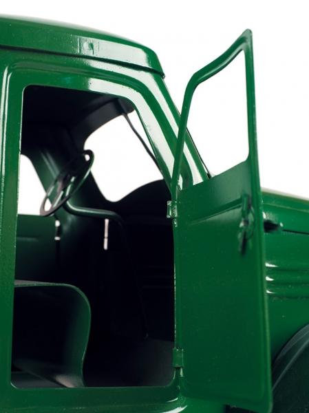 Хлебный фургон набазе ЗИС 150. Модель-игрушка. СССР, 1967. Металл, резина. Длина 54см.