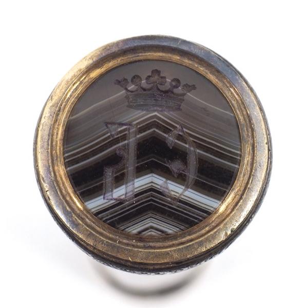 Печать синициалами «ЕБ». Россия. Конец XIXвека. Агат, серебро. Высота 8см.