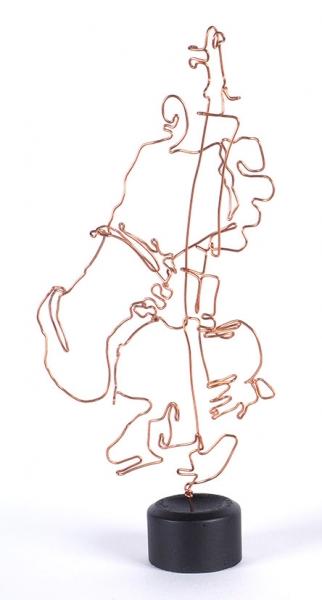 Вавилин Игорь. «Джаз. Контрабасист». 2019. Скульптура; медь, бетон, акрил. 37x16x9см.