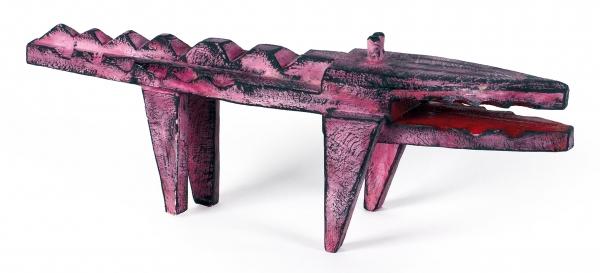 Ярмин Дмитрий. Скульптура «Розовый крокодил». 2019. Дерево, акрил. 56×19×14см.