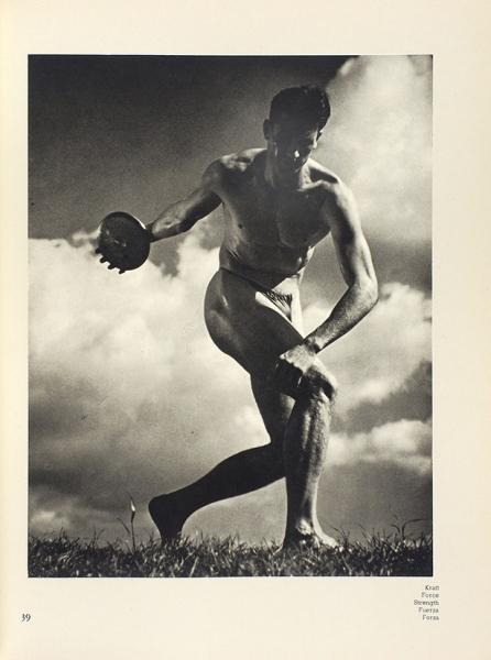 Рифеншталь, Л.Красота Олимпийских Игр. [Schönheit imOlimpischen Kampf. Нанем.яз.]. Берлин: Deutsche Verlag, 1936.