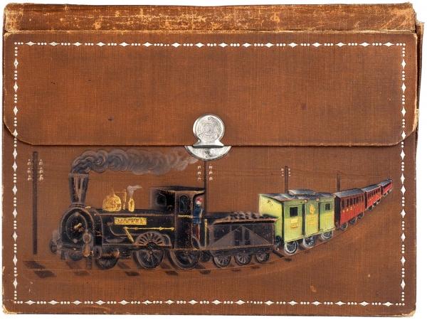 [Вподарок железнодорожнику] Папка для бумаг сцветным конгревным тиснением свидом поезда ижелезной дороги. [1900-е гг.].