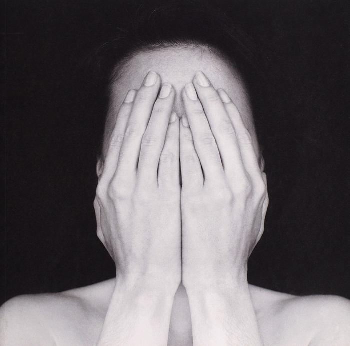 Эрик Марриан: белый квадрат. Каталог фотографий. М.: Галерея2.36, 2009.