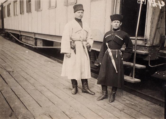 Два фото командующего Северокавказской Красной армией Алексея Ивановича Автономова. Кавказ, 1918-1919гг.