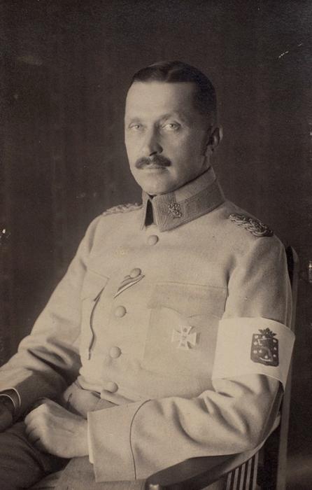 Барон Густав Маннергейм. Три портретных фотооткрытки.1919, 1922, 1929.
